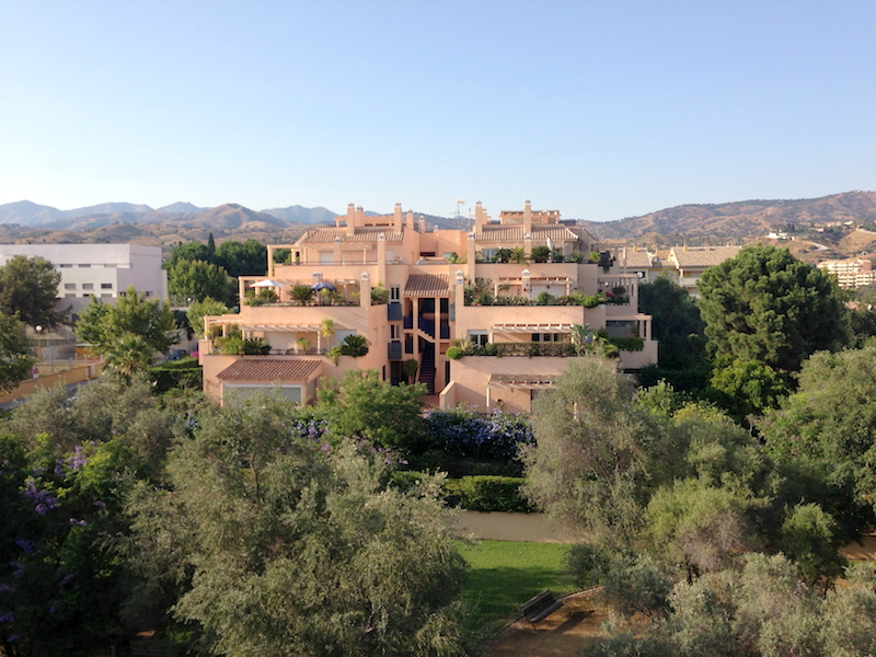 Corner Penthouse For Rent in Elviria