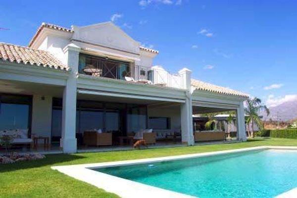 Modern Minimal Style Villa in La Quinta