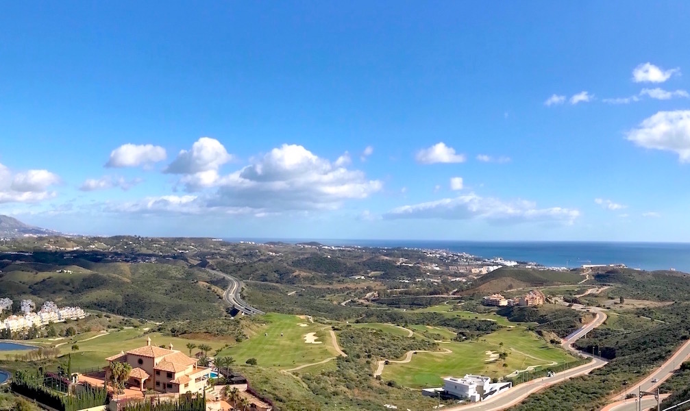 Penthouse For Rent in La Cala Hill Club