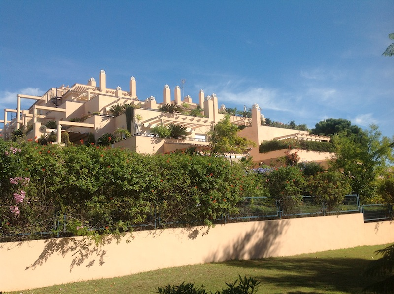 Penthouse For Rent in Elviria