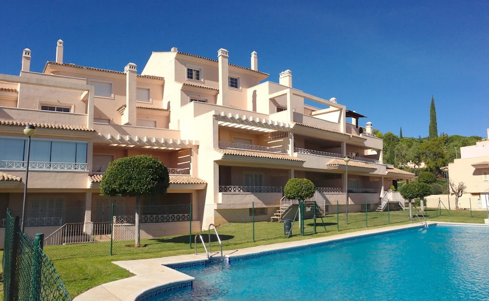 Rio Real Apartment For Rent in Marbella